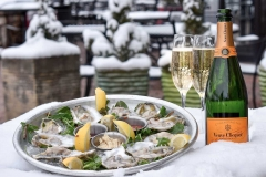 Oysters & Veuve